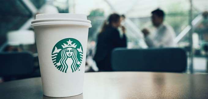 H Starbucks εστιάζει στο delivery για να αντιμετωπίσει τον ανταγωνισμό στην Κίνα