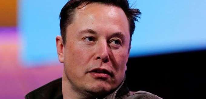 """Ο Musk έδωσε το σύνθημα: τα πλήρως αυτόνομα οχήματα Tesla χωρίς οδηγό """"είναι πολύ κοντά"""""""
