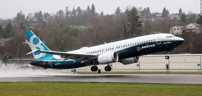 Boeing: Επιβάρυνση 4,9 δισ. δολ. μετά φόρων λόγω της καθήλωσης των 737 Max