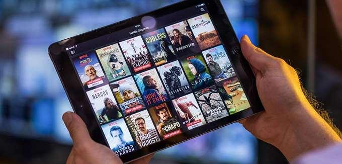 """Ο """"πόλεμος"""" του streaming συνεχίζεται: Πόσα θα επενδύσουν Netflix, Amazon, Disney+ σε νέο περιεχόμενο"""