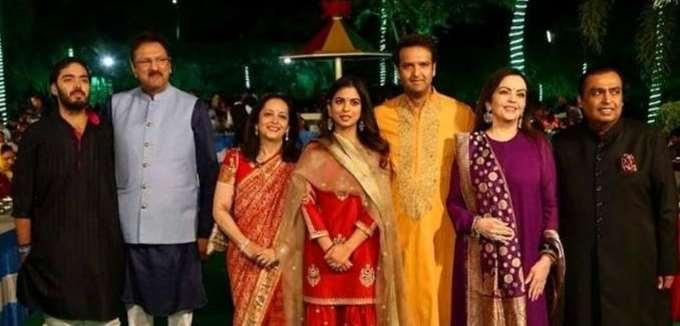 Ο ακριβότερος γάμος στην ιστορία της Ινδίας ενώνει δύο οικογένειες κροίσων