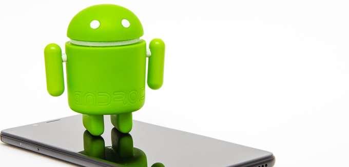 """Χάκερς """"εμφάνιζαν"""" 1 εκατ. κινητά Android ως smart TVs και """"πουλούσαν"""" ψεύτικο τηλεοπτικό χρόνο"""