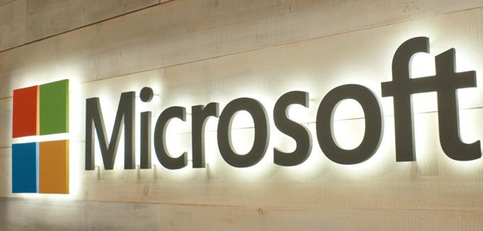 """""""Πόλεμος"""" Amazon - Microsoft για το πρόγραμμα JEDI των 10 δισ. δολαρίων"""