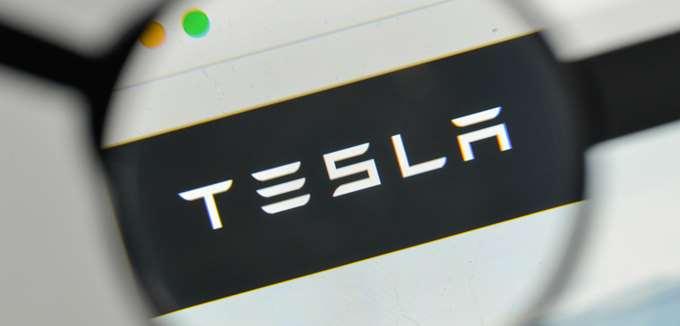 Η εναλλαγή στελεχών συνεχίζεται στην Tesla - Παραιτήθηκε ο νομικός σύμβουλος μετά από δύο μήνες στην εταιρεία