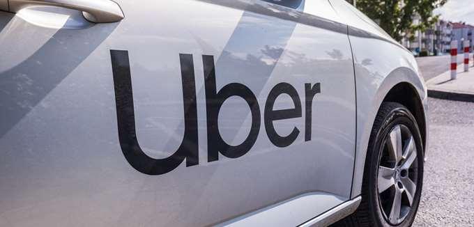 """Με """"χειρόφρενο"""" απειλεί η Uber την Καλιφόρνια, μετά από δικαστική απόφαση να αναγνωρίσει τους οδηγούς ως υπαλλήλους"""