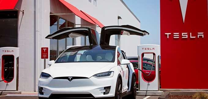 Τα προβλήματα της Nikola εγείρουν ερωτήματα για την Tesla