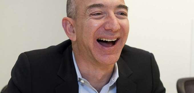 Σε νέα υψηλά επίπεδα ρεκόρ η καθαρή περιουσία του Jeff Bezos