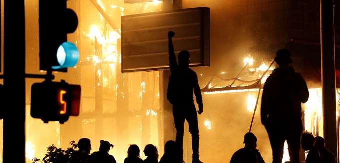 ΗΠΑ: Φόβοι για κατακόρυφη αύξηση των κρουσμάτων κορονοϊού λόγω των διαδηλώσεων