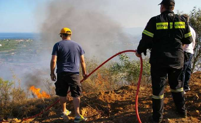 Υπό μερικό έλεγχο η πυρκαγιά στην περιοχή Κορυφή της Ηλείας