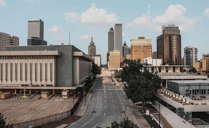 Ποια πόλη των ΗΠΑ προσφέρει 10.000 δολάρια προκειμένου να μετακομίσετε εκεί