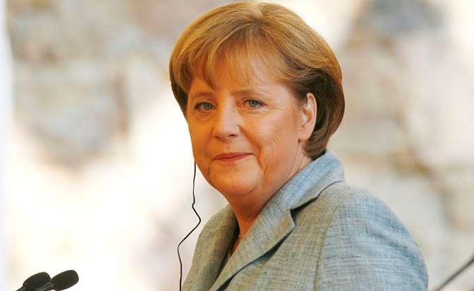 Μέρκελ: Η Ευρώπη πρέπει να αντισταθεί στην ακροδεξιά