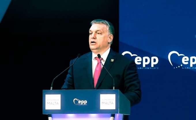 Ο Όρμπαν διαφημίζει τη συμμαχία του με την Πολωνία