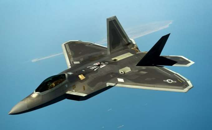 Αμερικανικά F-22 Raptor στην 110 πτέρυγα Μάχης στη Λάρισα