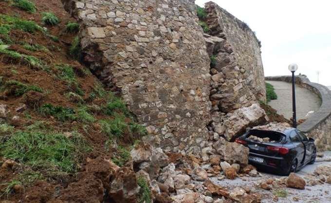Δύο συλλογές γεφυρών τύπου Belley και τεχνικό προσωπικό απέστειλαν στην Κρήτη οι Ένοπλες Δυνάμεις
