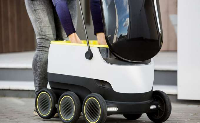Ξεχάστε την Amazon - Η Starship αρχίζει διανομή δεμάτων με ρομπότ