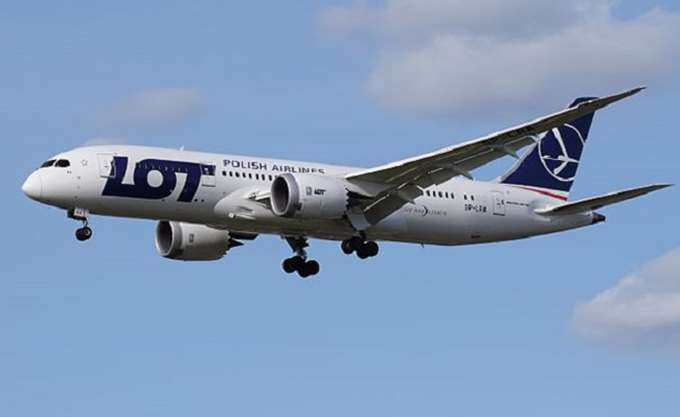 Πολωνία: Απεργία διαρκείας εξήγγειλαν τα συνδικάτα εργαζομένων της  αεροπορικής εταιρείας LOT