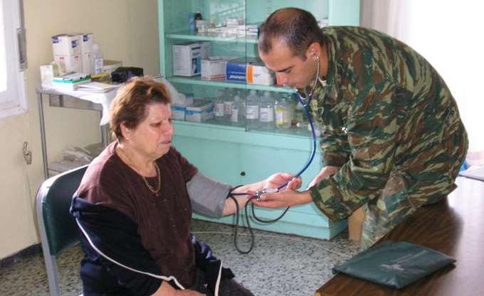 Γιατροί στρατιώτες θα επανδρώνουν αγροτικά ιατρεία