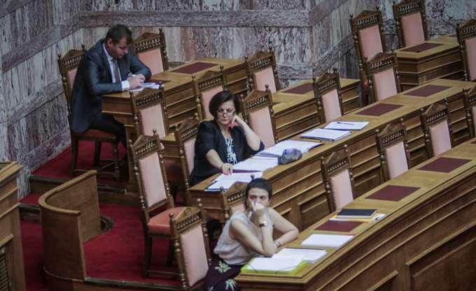 """Γ. Αμυράς: Νομοσχέδιο-""""τέρας"""" με νομοθέτηση ταχείας κοπής"""