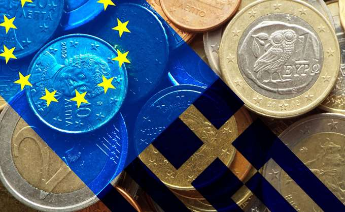 Bloomberg: Γιατί τρία μνημόνια δεν έλυσαν το πρόβλημα του ελληνικού χρέους