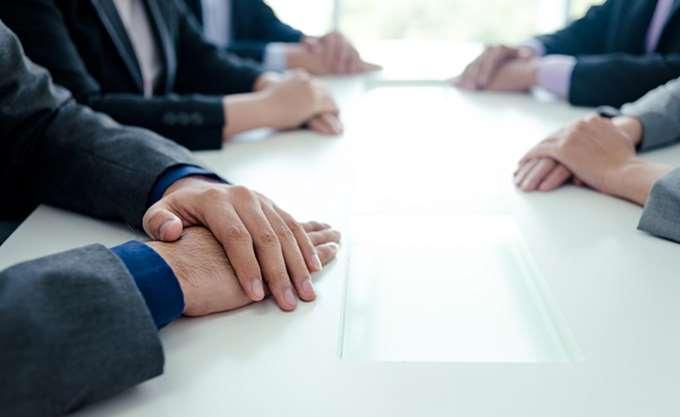 Στο τραπέζι των διαπραγματεύσεων για συγχώνευση Renault - Fiat Chrysler