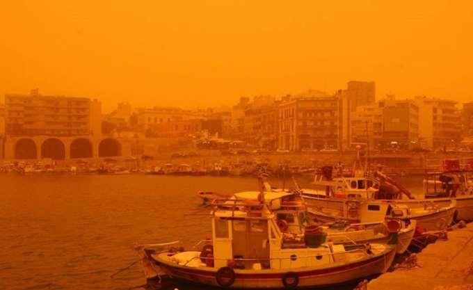 Οι ατμοσφαιρικές συνθήκες ευνοούν τη μεταφορά σκόνης από την Αφρική