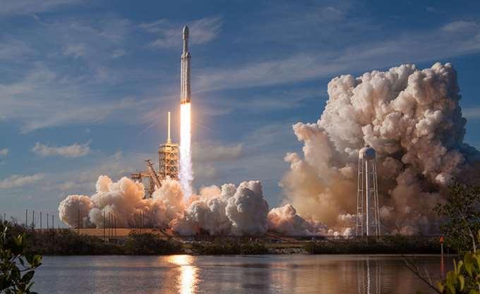 Γύρισε ανέπαφος στη Γη, αλλά τελικά…έπεσε στη θάλασσα λόγω θαλασσοταραχής ο πύραυλος της Space X