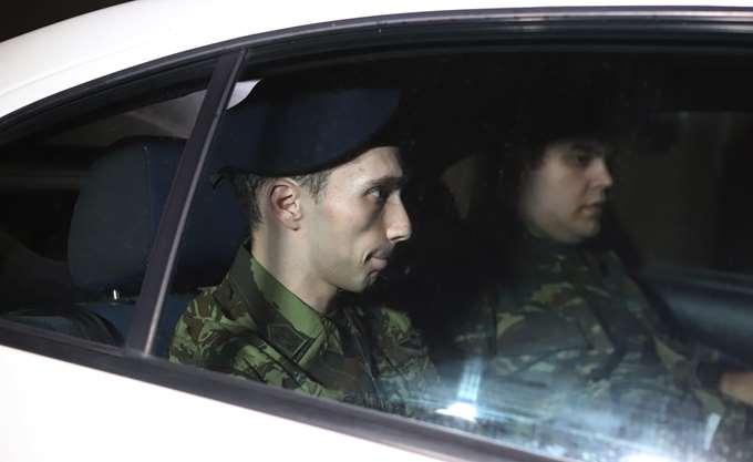 """Δικηγόροι: """"Πράξη συμμόρφωσης με το Διεθνές Δίκαιο"""" η απελευθέρωση των δύο στρατιωτικών"""