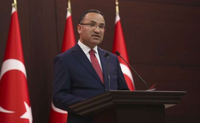 Προκαλεί ο Τούρκος αντιπρόεδρος: Στην Ελλάδα φυλακίζουν μέχρι και τους ιμάμηδες