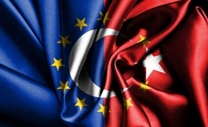 Τι διαπιστώνει το Ελεγκτικό Συνέδριο ΕΕ για τα προγράμματα στήριξης των προσφύγων της Τουρκίας με μετρητά