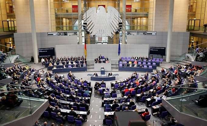 Εγκρίθηκε από την Bundestag η συμφωνία του Eurogroup για το ελληνικό πρόγραμμα