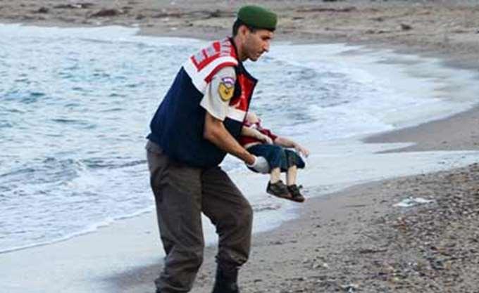 Κεφαλονιά: Εντοπίστηκε ιστιοφόρο με 87 παράτυπους μετανάστες