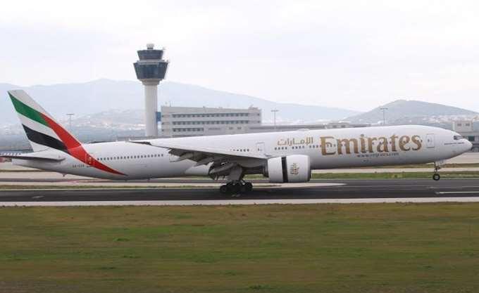 ΗΠΑ: Σε καραντίνα στη Νεά Υόρκη αεροσκάφος της Emirates, ασθένησαν δεκάδες επιβαίνοντες