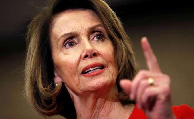 """ΗΠΑ: Η Πελόζι προειδοποιεί το Δημοκρατικό Κόμμα ενάντια σε μία στροφή """"προς τα αριστερά"""""""