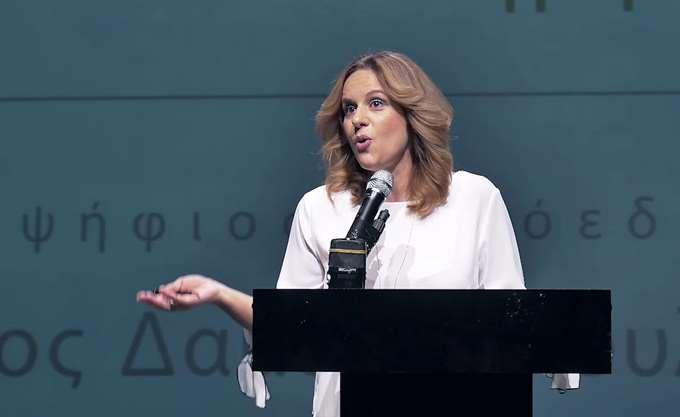 Η Γραμματέας Διαφθοράς εμφανίζεται ως δικηγόρος εταιρείας συμφερόντων του Αρτεμίου