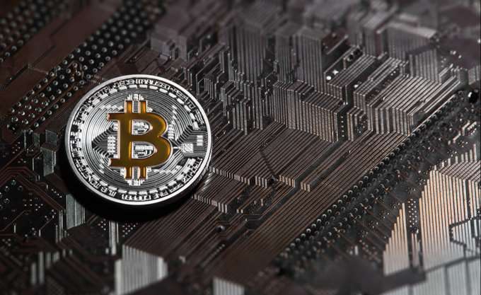 Βουτιά του Bitcoin μετά το εκρηκτικό ράλι