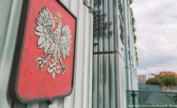 Πολωνία: Η πρόεδρος του Ανώτατου Δικαστηρίου εξακολουθεί να αψηφά τον νόμο