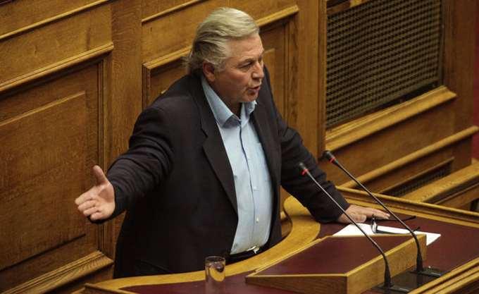Δεν θα μειωθούν συντάξεις - αφορολόγητο, υποστηρίζει ο Θ. Παπαχριστόπουλος