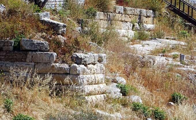 """Στο """"σφυρί"""" 8 αναψυκτήρια στους αρχαιολογικούς χώρους"""