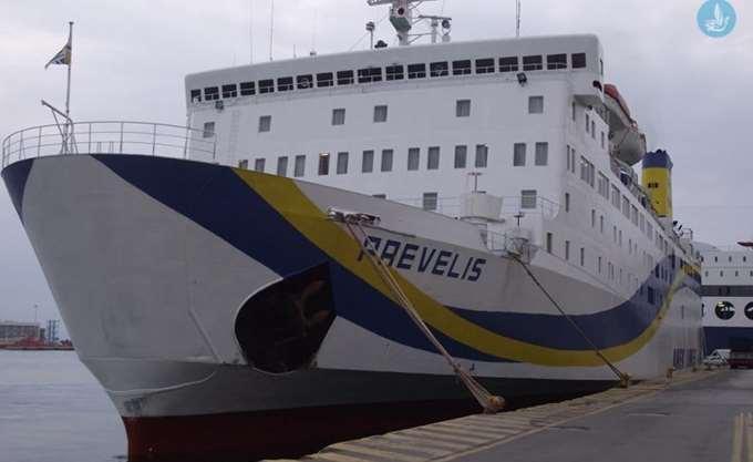 """Αναπλήρωση δρομολογίων του πλοίου """"Πρέβελης"""" που υπέστη ρήγμα"""