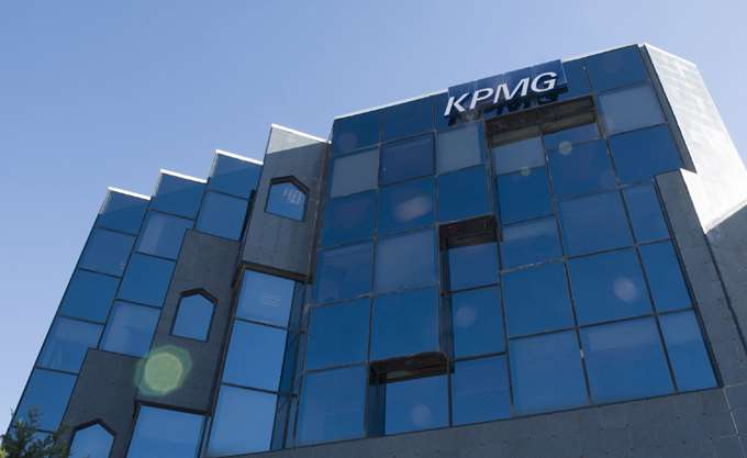 KPMG: Αύξηση ακαθάριστων εσόδων έως 1,99% το χρόνο τα επόμενα τρίαέτη βλέπουν οι Έλληνες CEOs