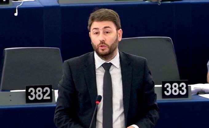 Ν. Ανδρουλάκης: Η μιζέρια, το μίσος και η απομόνωση δεν μας αξίζουν