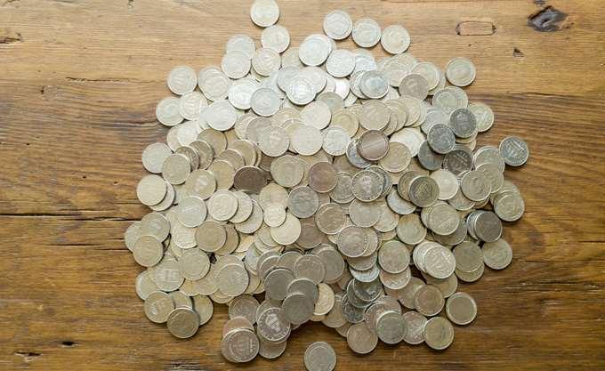 """Είδος προς εξαφάνιση τα μετρητά στη Σουηδία -χτυπάει το """"καμπανάκι"""" της Κεντρικής Τράπεζας"""