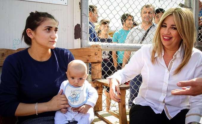 Φ. Γεννηματά: Ηθικό μειονέκτημα της κυβέρνησης η συμφόρηση μεταναστών στο Β. Αιγαίο