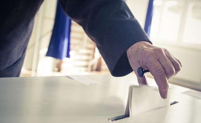 Κλείνουν το μάτι για ψήφο στους κατοίκους εξωτερικού