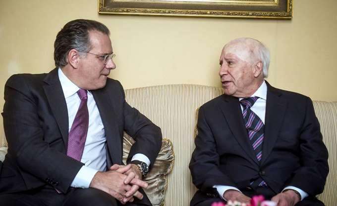 Κουμουτσάκος: Προϋπόθεση για λύση ένα όνομα αποδεκτό από τους Έλληνες