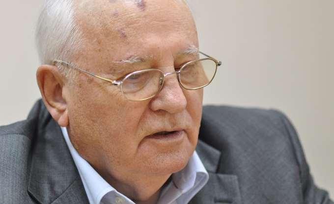 Φόρο τιμής στον Τζ. Μπους αποτίει ο Μ. Γκορμπατσόφ