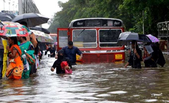 Ινδία: Σε 357 ανήλθε ο απολογισμός των νεκρών από τις πλημμύρες
