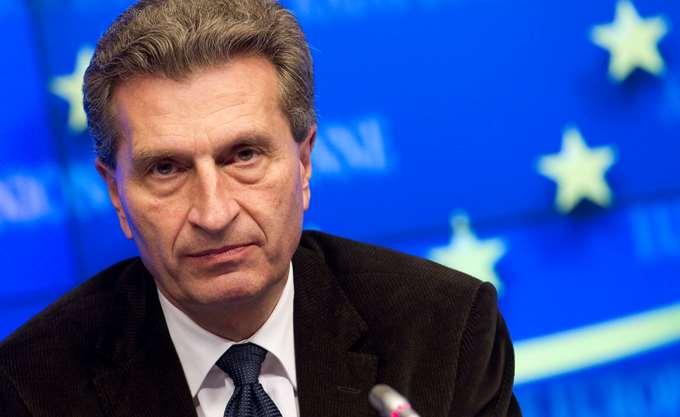 Oettinger: Θέλει Γάλλο πρόεδρο της ΕΚΤ και Γερμανό πρόεδρο της Κομισιόν