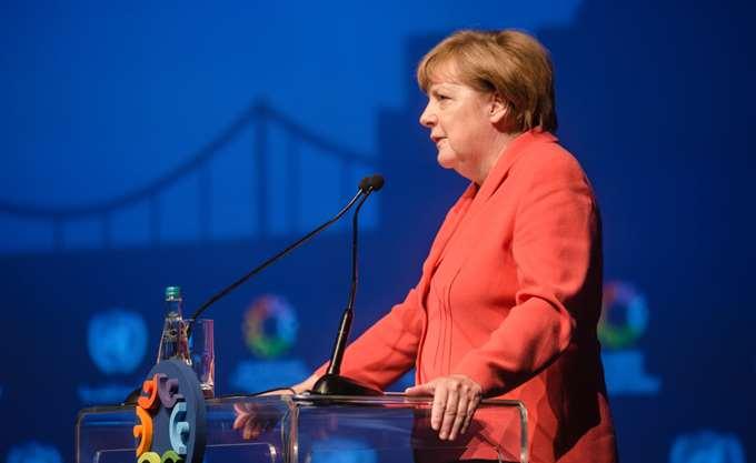 Δεν συναινεί σε ελάφρυνση του ιταλικού χρέους η Μέρκελ