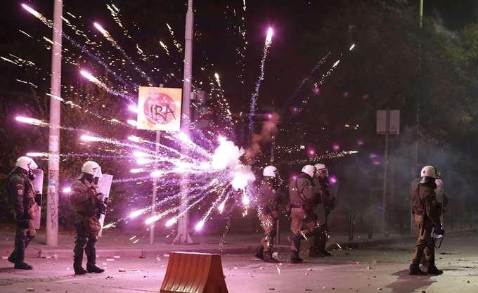 Θεσσαλονίκη: Αποκλιμακώθηκε η ένταση μεταξύ κουκουλοφόρων και αστυνομίας